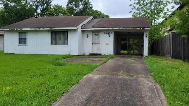 9606 Chatfield Street, Houston, TX 77025 (MLS #67051004) :: My BCS Home Real Estate Group