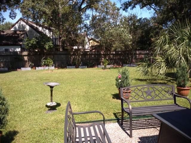 4235 Crownwood Drive, Seabrook, TX 77586 (MLS #67109976) :: Ellison Real Estate Team