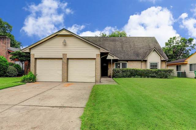 16311 Hickory Knoll Drive, Houston, TX 77059 (MLS #67144508) :: The SOLD by George Team