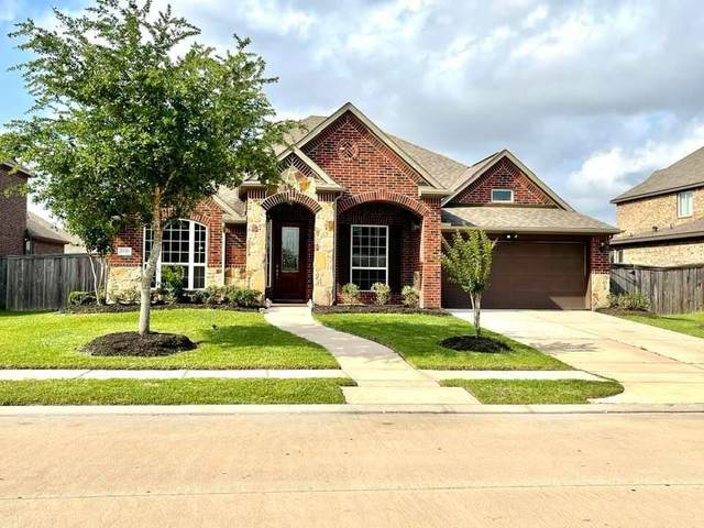 2021 Snow Pine Lane, Pearland, TX 77089 (MLS #67151169) :: Ellison Real Estate Team