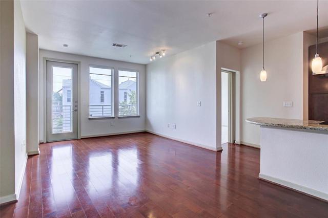 505 Jackson Hill Street #206, Houston, TX 77007 (MLS #67206860) :: Texas Home Shop Realty