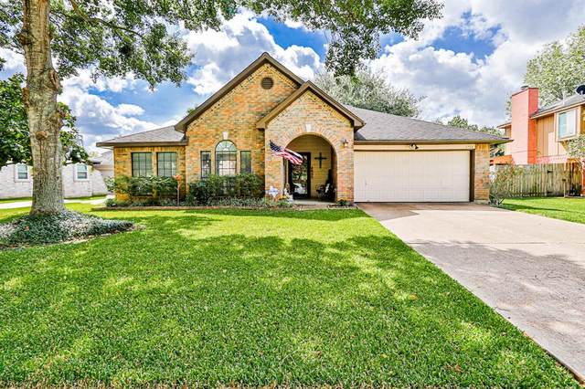 1712 Valero Street, Friendswood, TX 77546 (MLS #67328425) :: The Freund Group