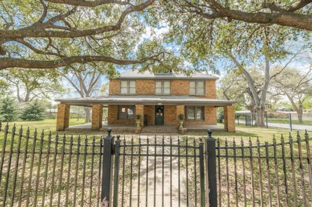 437 Harbert Street, Columbus, TX 78934 (MLS #67372506) :: The Bly Team