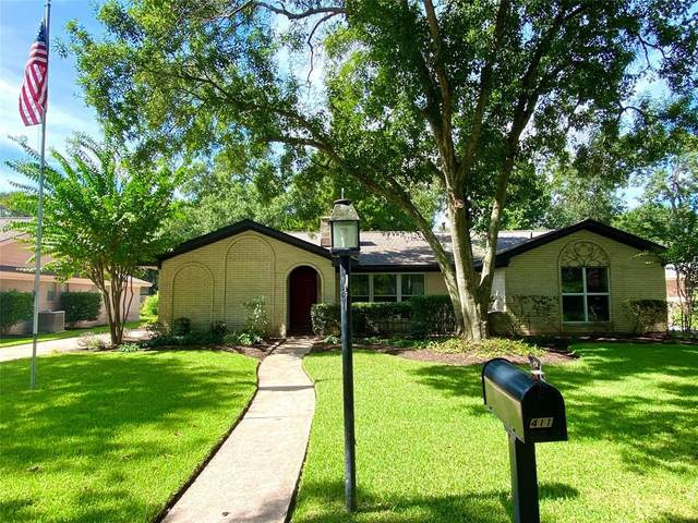 4111 Rolling Green Drive, Taylor Lake Village, TX 77586 (MLS #67453139) :: The Freund Group