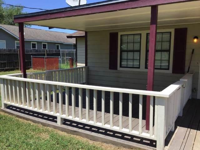 11402 Sunnyside Drive, Baytown, TX 77523 (MLS #67544549) :: The Sold By Valdez Team