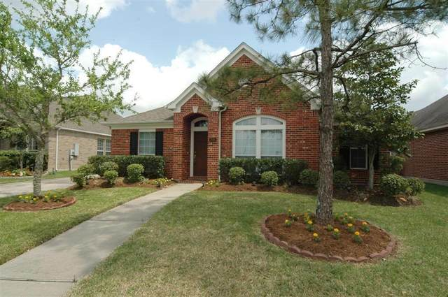 245 Kettering Lane, League City, TX 77573 (MLS #67557045) :: The Bly Team