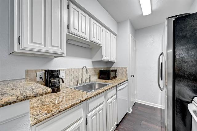 2120 Wilcrest Drive #227, Houston, TX 77042 (MLS #67558723) :: The SOLD by George Team