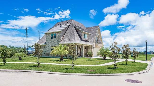 308 Twin Timbers Lane, League City, TX 77565 (MLS #67622205) :: The Freund Group