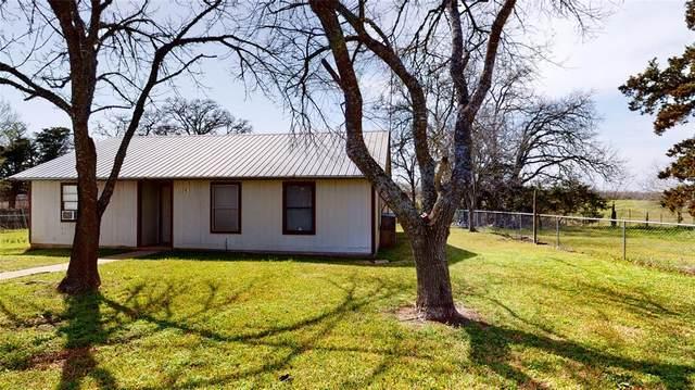 1128 Kay Street, Giddings, TX 78942 (#67706068) :: ORO Realty