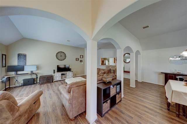 6407 Larrycrest Drive, Pearland, TX 77584 (MLS #67713815) :: Bay Area Elite Properties