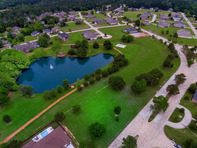 188 Bentwood Drive, Montgomery, TX 77356 (MLS #67772340) :: The Sansone Group