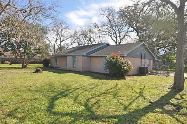 402 E 2nd Street, Sweeny, TX 77480 (MLS #67832146) :: The Jill Smith Team