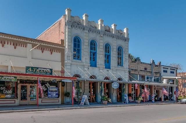 1120 Milam Street, Columbus, TX 78934 (MLS #67946660) :: The Property Guys