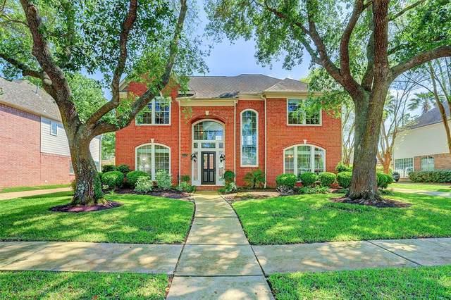 5222 Avondale Drive, Sugar Land, TX 77479 (MLS #67967846) :: NewHomePrograms.com LLC