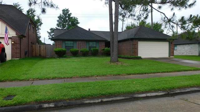 4807 Saint Lawrence Drive, Friendswood, TX 77546 (MLS #68081419) :: Texas Home Shop Realty