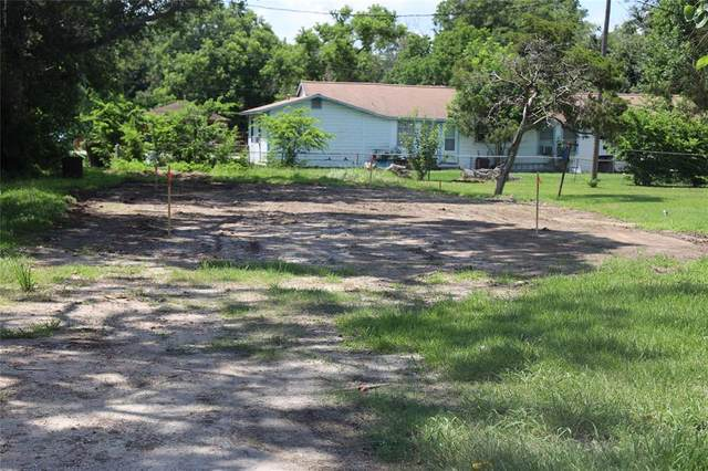 1305 Fred Street, El Campo, TX 77437 (MLS #68083733) :: Lerner Realty Solutions