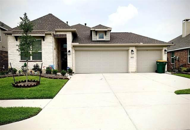 6923 Hunters Trace Lane, Baytown, TX 77521 (MLS #68118341) :: NewHomePrograms.com LLC
