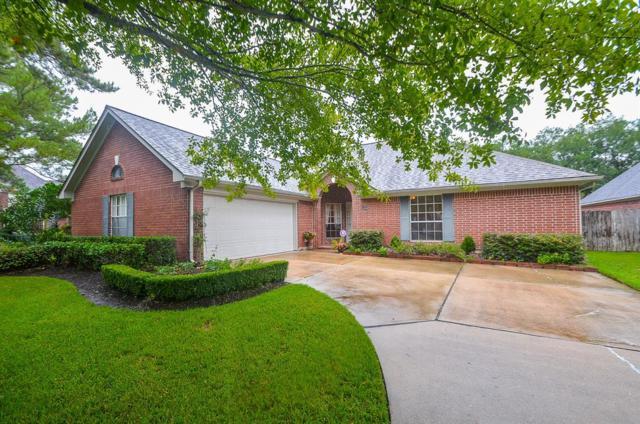 16926 Ascot Meadow Drive, Sugar Land, TX 77479 (MLS #68145920) :: The Johnson Team