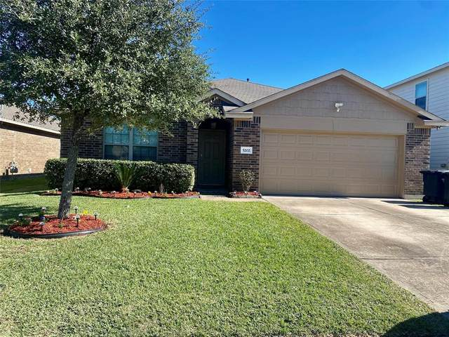 5202 La Rocco Way, Alvin, TX 77511 (MLS #68151366) :: The Bly Team