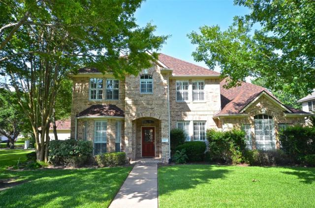 827 Oyster Creek Dr, Sugar Land, TX 77478 (MLS #68168614) :: The SOLD by George Team
