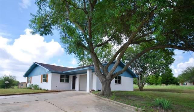 500 S Lavaca, Moulton, TX 77975 (MLS #68357710) :: The Home Branch