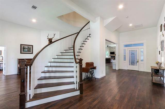 624 Preston Street, Columbus, TX 78934 (MLS #68362977) :: Lerner Realty Solutions
