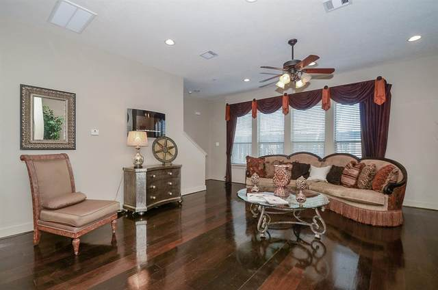 2422 Navigation Boulevard E, Houston, TX 77003 (MLS #68384209) :: Guevara Backman