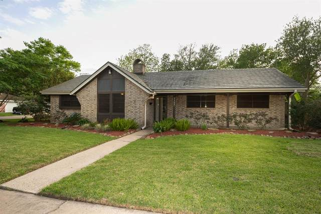 3302 Churchill Street, Pearland, TX 77581 (MLS #68424396) :: Phyllis Foster Real Estate
