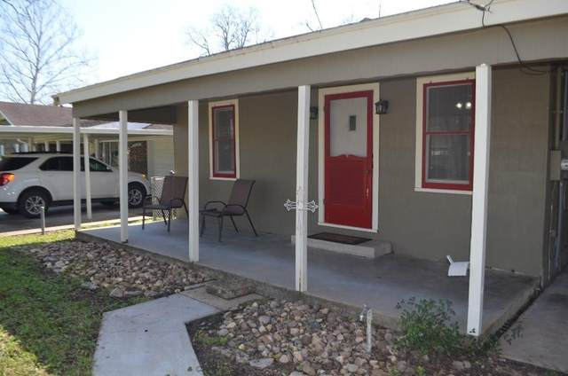 121 Banks Street, Columbus, TX 78934 (MLS #6844421) :: Ellison Real Estate Team