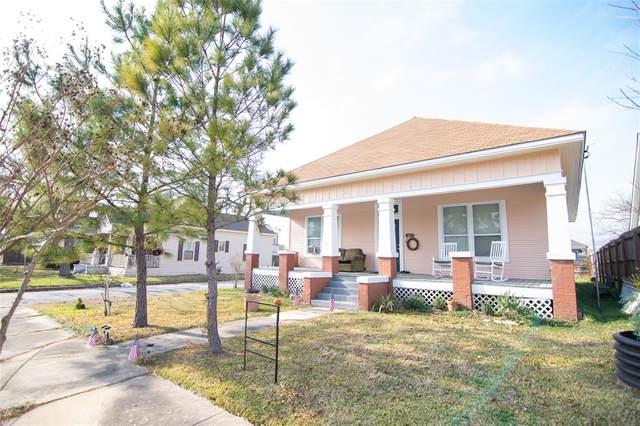401 E Mcalpine Street, Navasota, TX 77868 (MLS #68535816) :: Michele Harmon Team