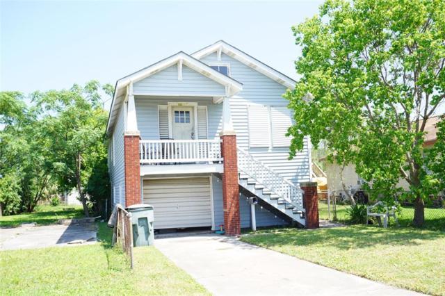 5506 Avenue R 1/2, Galveston, TX 77551 (MLS #68598090) :: Team Parodi at Realty Associates