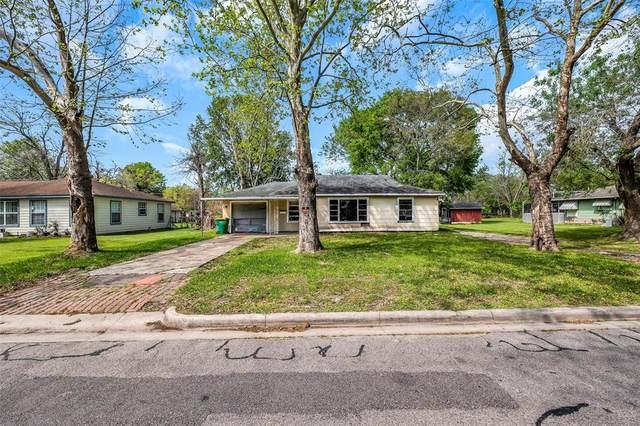 202 Williams, Baytown, TX 77520 (MLS #68600763) :: The Property Guys