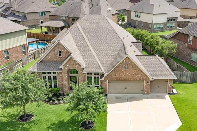 12515 Ivy Run Lane, Pearland, TX 77584 (MLS #68628112) :: NewHomePrograms.com LLC