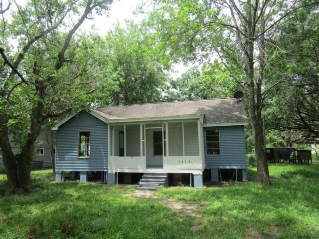 1414 Avenue K, Danbury, TX 77534 (MLS #68646634) :: Lerner Realty Solutions