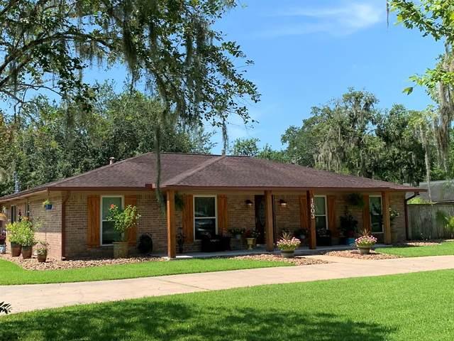 1603 North Road, Lake Jackson, TX 77566 (MLS #68733070) :: The Heyl Group at Keller Williams