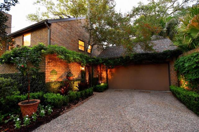 4 Town Oaks Place, Bellaire, TX 77401 (MLS #68734699) :: Caskey Realty