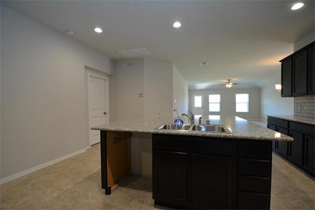 6922 Rosalina Landing Lane, Richmond, TX 77407 (MLS #68845775) :: Giorgi Real Estate Group