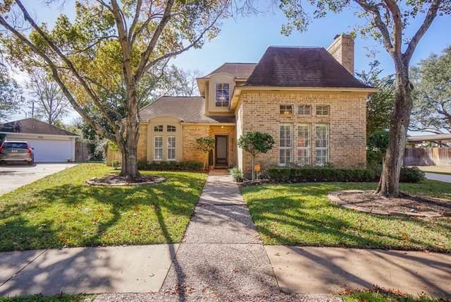 907 Holly Hill Dr Drive, Sugar Land, TX 77498 (MLS #68864407) :: The Sansone Group