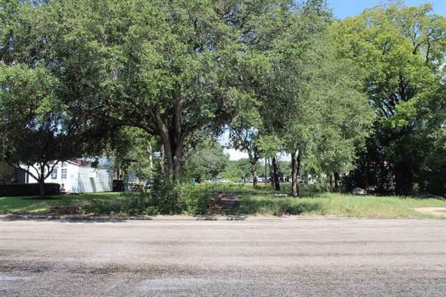 112 W Hillje Street, El Campo, TX 77437 (MLS #68900129) :: TEXdot Realtors, Inc.