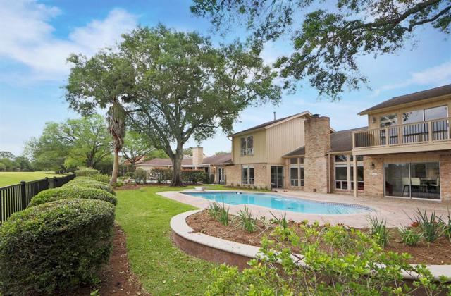 2210 N Fountain Valley Drive, Missouri City, TX 77459 (MLS #68934444) :: Texas Home Shop Realty