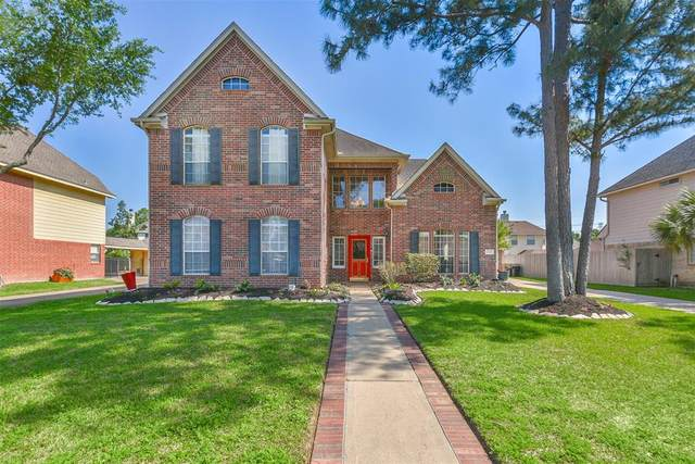 2331 N Lake Front Drive, League City, TX 77573 (MLS #68934564) :: Homemax Properties