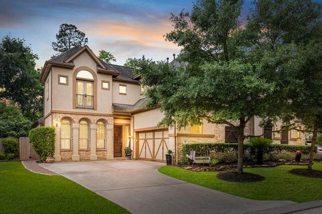 102 S Knights Crossing Drive, The Woodlands, TX 77382 (#68957199) :: ORO Realty