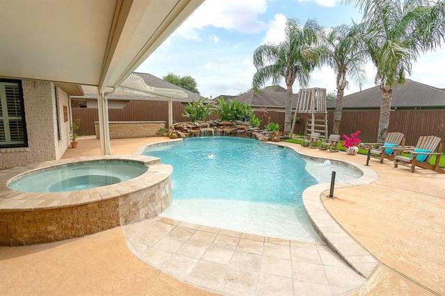 2305 E Reata Drive, Deer Park, TX 77536 (MLS #68968609) :: Texas Home Shop Realty