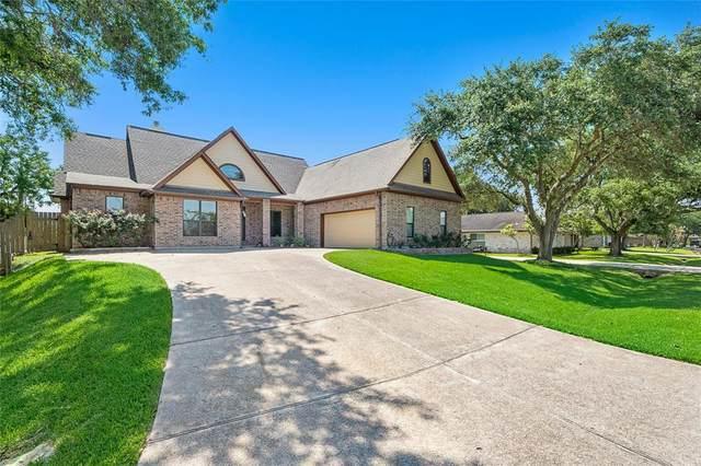 3111 Green Leaf Lane, La Porte, TX 77571 (MLS #68995045) :: The Property Guys