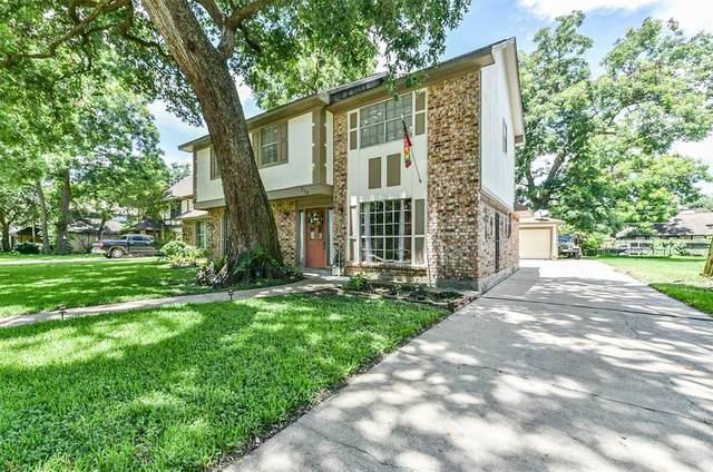 114 Driftwood Drive, Lake Jackson, TX 77566 (MLS #69014604) :: The Bly Team