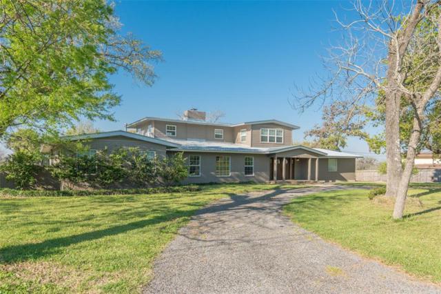 426 Willow Lane, Baytown, TX 77520 (MLS #69146483) :: Giorgi Real Estate Group