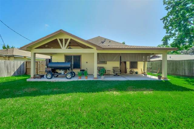 820 S 4th Street, La Porte, TX 77571 (MLS #69156615) :: The SOLD by George Team