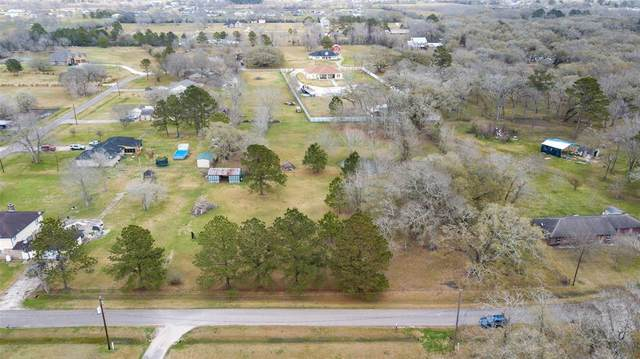 14101 Patricia Lane, Alvin, TX 77511 (MLS #69170048) :: The Freund Group