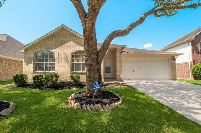 3323 Foursome Lane, Sugar Land, TX 77498 (MLS #69270947) :: Lerner Realty Solutions