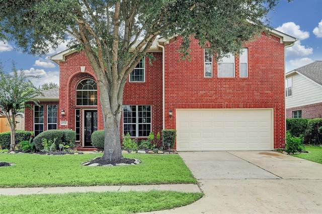 10017 Forest Spring Lane, Pearland, TX 77584 (MLS #69361518) :: The Home Branch